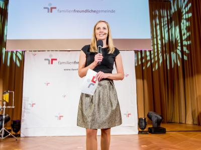 Moderatorin Margit Laufer