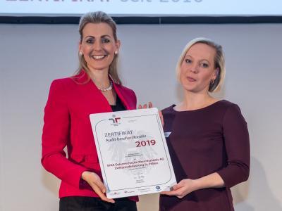 Bundesministerin Christine Aschbacher überreicht staatliches Gütezeichen an SPAR Österreichische Warenhandels-AG Zweigniederlassung St. Pölten