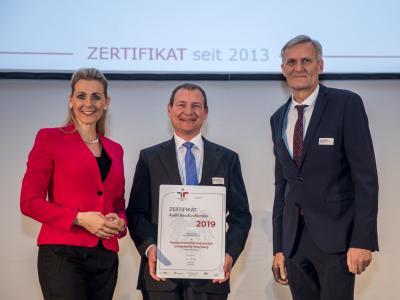 Bundesministerin Christine Aschbacher überreicht staatliches Gütezeichen an Pensionsversicherungsanstalt, Landesstelle Vorarlberg