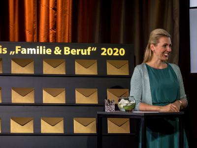Bundesministerin Mag. (FH) Christine Aschbacher