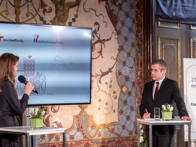 Mag. Elisabeth Wenzl und Werner Sejka © Harald Schlossko